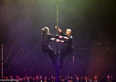 Antoine et Rocco au Festival mondial du cirque de demain. Mât chinois.